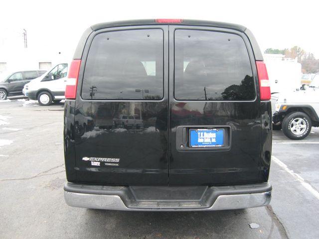 2013 Chevrolet Express 15 Passenger LT Richmond, Virginia 6