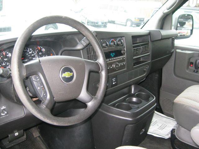 2013 Chevrolet Express 15 Passenger LT Richmond, Virginia 8