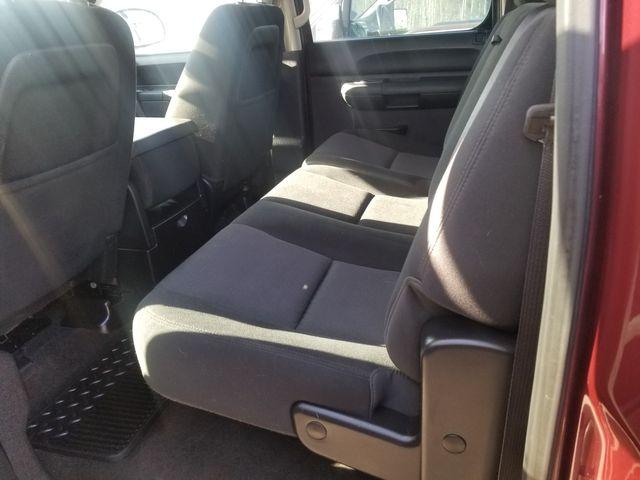 2013 Chevrolet Silverado 1500 LT Newport, VT 3