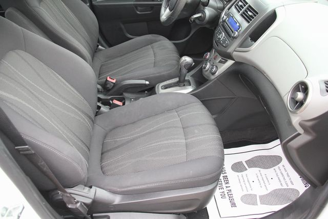 2013 Chevrolet Sonic LT Santa Clarita, CA 14
