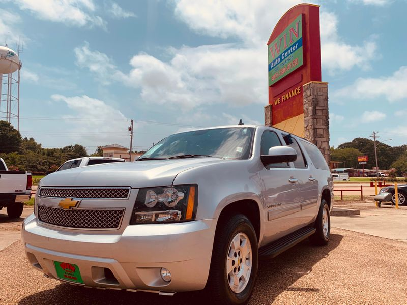 2013 Chevrolet Suburban LT   Gilmer, TX   Win Auto Center, LLC in Gilmer TX