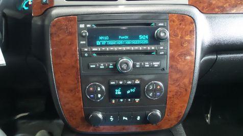 2013 Chevrolet Tahoe LT 4x4 Tv/DVD Sunroof 3rd Row Leather We Finance | Canton, Ohio | Ohio Auto Warehouse LLC in Canton, Ohio