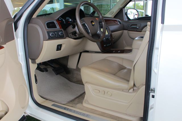2013 Chevrolet Tahoe LTZ 4X4 - NAV - REAR DVD - SUNROOF - POWER STEPS! Mooresville , NC 33