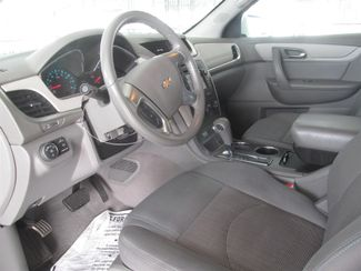 2013 Chevrolet Traverse LT Gardena, California 4