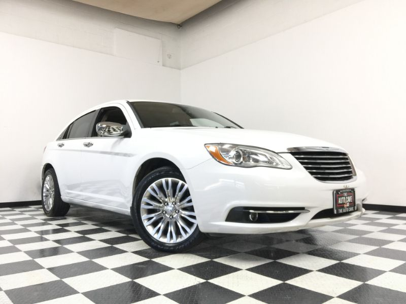 2013 Chrysler 200 *Drive TODAY & Make PAYMENTS* | The Auto Cave in Addison