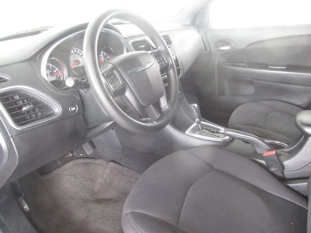 2013 Chrysler 200 LX Gardena, California 4