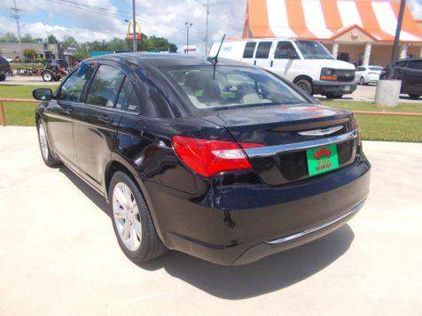 2013 Chrysler 200 LX   Gilmer, TX   Win Auto Center, LLC in Gilmer, TX