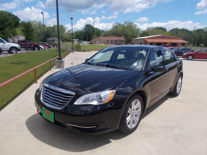 2013 Chrysler 200 LX | Gilmer, TX | Win Auto Center, LLC in Gilmer TX