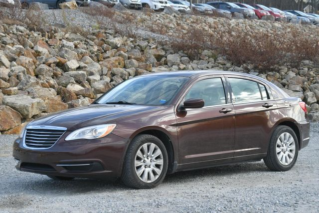 2013 Chrysler 200 LX Naugatuck, Connecticut