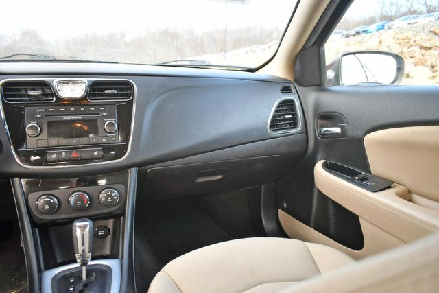 2013 Chrysler 200 LX Naugatuck, Connecticut 11