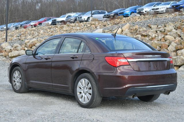 2013 Chrysler 200 LX Naugatuck, Connecticut 2