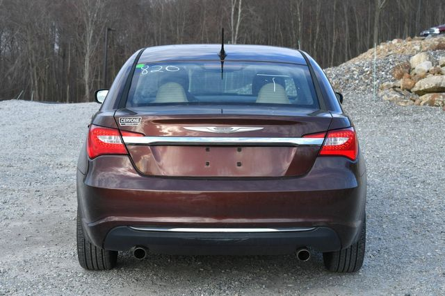 2013 Chrysler 200 LX Naugatuck, Connecticut 3