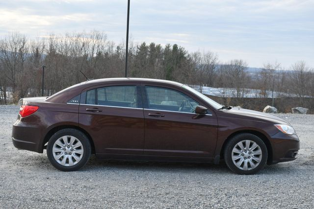 2013 Chrysler 200 LX Naugatuck, Connecticut 5
