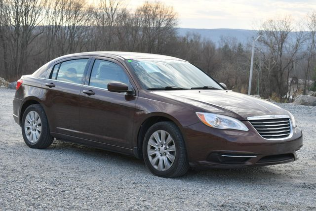 2013 Chrysler 200 LX Naugatuck, Connecticut 6