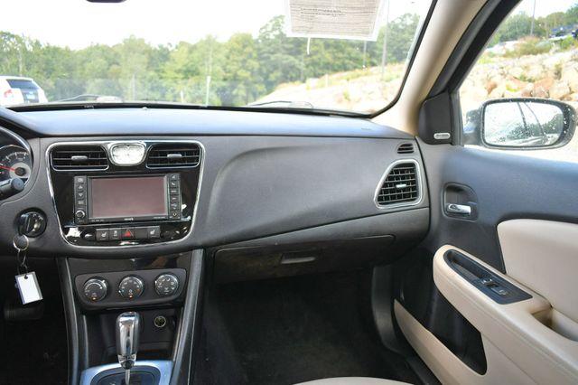 2013 Chrysler 200 Limited Naugatuck, Connecticut 15