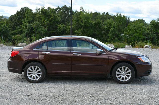 2013 Chrysler 200 Limited Naugatuck, Connecticut 7