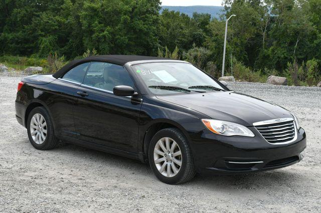 2013 Chrysler 200 Touring Naugatuck, Connecticut 12