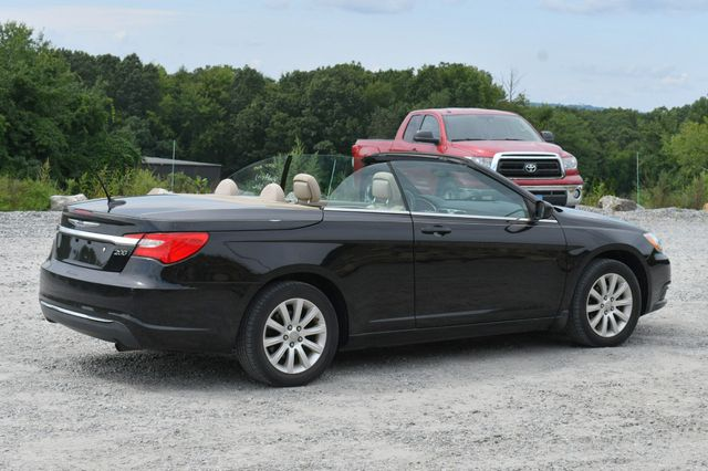 2013 Chrysler 200 Touring Naugatuck, Connecticut 4