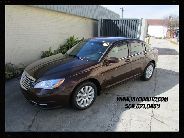 2013 Chrysler 200 Touring, Low Miles! Clean CarFax! Warranty!