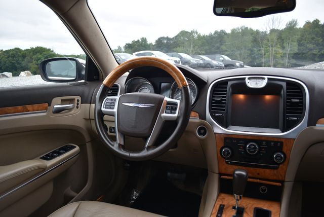 2013 Chrysler 300 C Naugatuck, Connecticut 13