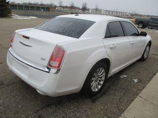 2013 Chrysler 300 Farmington, MN 1