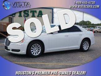 2013 Chrysler 300   city Texas  Vista Cars and Trucks  in Houston, Texas