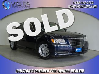 2013 Chrysler 300 Base  city Texas  Vista Cars and Trucks  in Houston, Texas