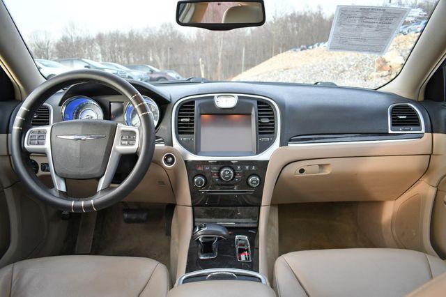 2013 Chrysler 300 Naugatuck, Connecticut 11