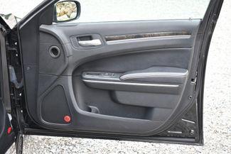 2013 Chrysler 300 Motown Naugatuck, Connecticut 10