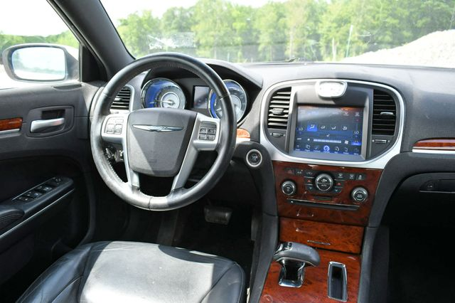 2013 Chrysler 300 Naugatuck, Connecticut 14
