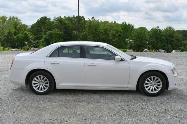 2013 Chrysler 300 Naugatuck, Connecticut 7