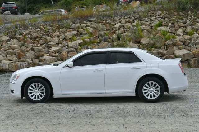 2013 Chrysler 300 Naugatuck, Connecticut 3