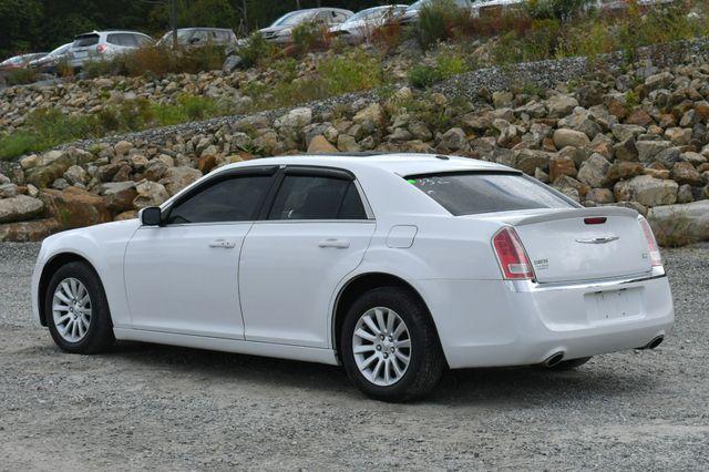 2013 Chrysler 300 Naugatuck, Connecticut 4
