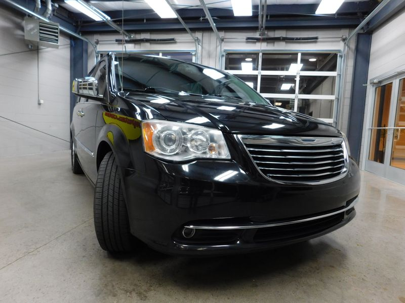2013 Chrysler Town  Country Limited  city TN  Doug Justus Auto Center Inc  in Airport Motor Mile ( Metro Knoxville ), TN