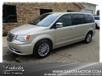 2013 Chrysler Town & Country Touring-L Farmington, MN