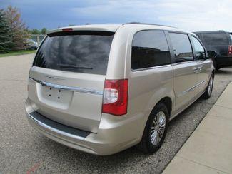 2013 Chrysler Town & Country Touring-L Farmington, MN 1