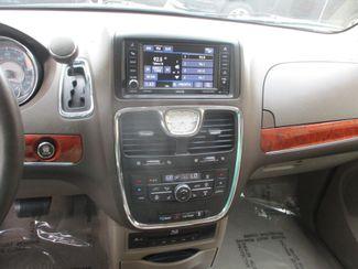 2013 Chrysler Town & Country Touring-L Farmington, MN 7