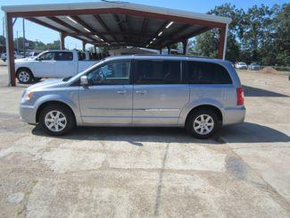 2013 Chrysler Town & Country Touring Houston, Mississippi 2