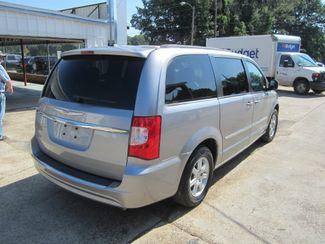 2013 Chrysler Town & Country Touring Houston, Mississippi 4