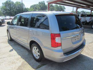 2013 Chrysler Town & Country Touring Houston, Mississippi 5