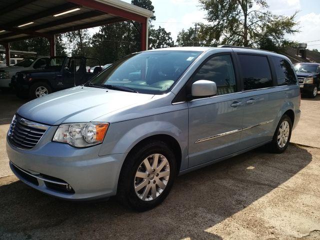 2013 Chrysler Town & Country Touring Houston, Mississippi 1