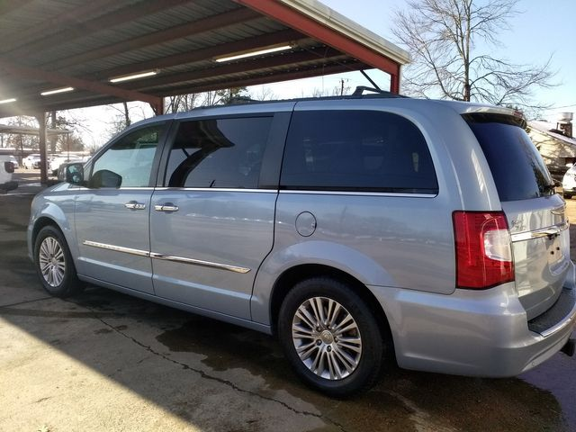 2013 Chrysler Town & Country Touring-L Houston, Mississippi 4