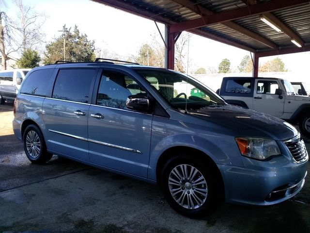 2013 Chrysler Town & Country Touring-L Houston, Mississippi 1