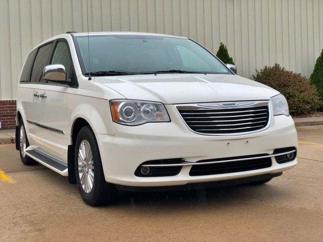 2013 Chrysler Town & Country Limited in Jackson, MO 63755