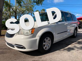 2013 Chrysler Town & Country Touring in Lighthouse Point FL