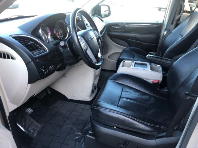 2013 Chrysler Town & Country Touring LINDON, UT 12