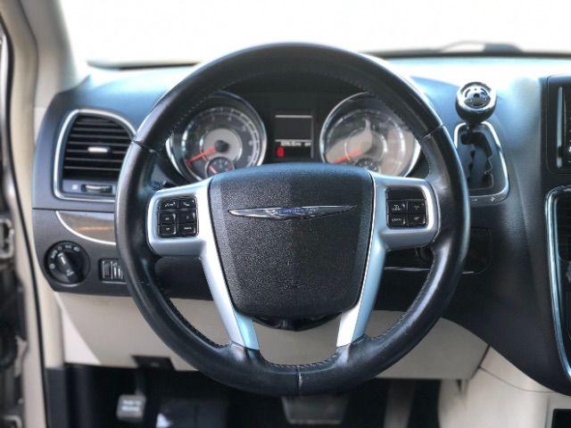 2013 Chrysler Town & Country Touring LINDON, UT 33
