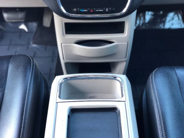 2013 Chrysler Town & Country Touring LINDON, UT 35