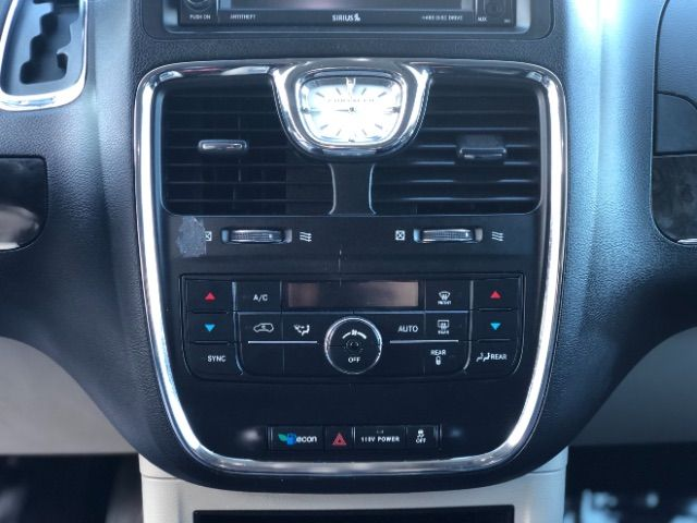 2013 Chrysler Town & Country Touring LINDON, UT 36