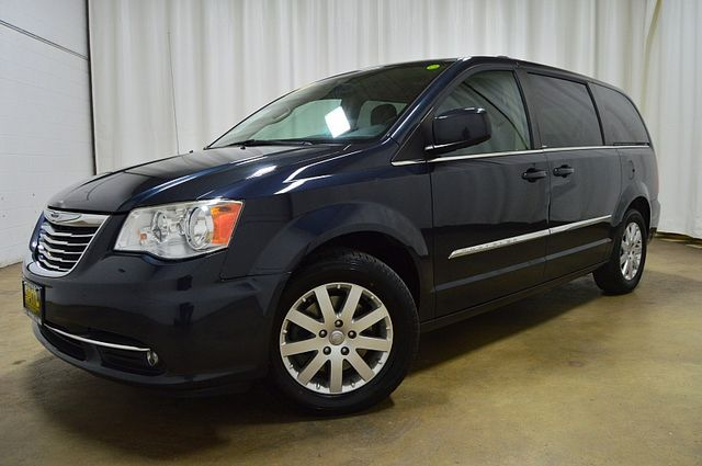 2013 Chrysler Town & Country Touring W/Leather